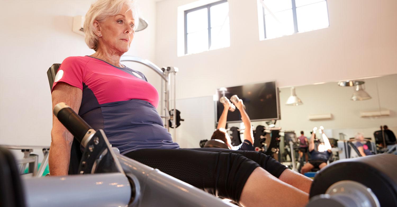Comparación de diferentes frecuencias semanales de entrenamiento de fuerza sobre marcadores de salud metabólica y grasa corporal en mujeres de edad avanzada