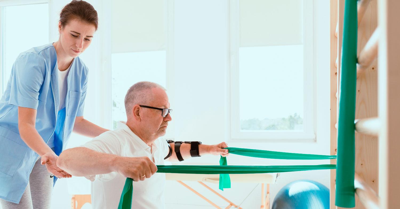 El-entrenamiento-de-fuerza-de-baja-y-alta-carga-produce-efectos-similares-sobre-la-densidad-mineral-ósea-en-personas-de-edad-media-y-avanzada